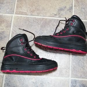 Nike acg black and pink boots sz 4.5y